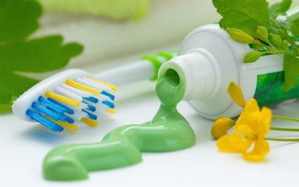 Natürliche Zahnpasta